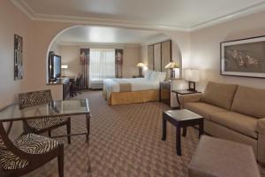 guest room suite1